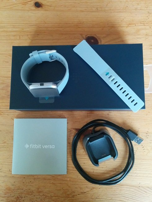 Fitbit Versa内容物